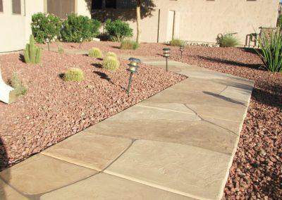 faux-flagstone-sidewalk-front-yard