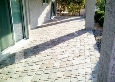 pavers-covered-patio-backyard