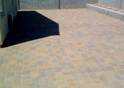 pavers-large-backyard-patio